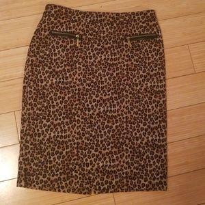 Dana Buchman leopard skirt size 4